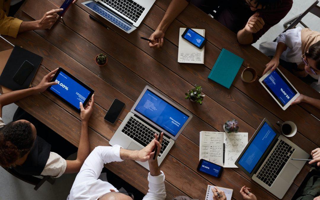 ¿Se puede saber en tiempo real de qué hablan las personas en las redes sociales?